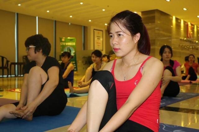 hai phat tap yoga 5 7